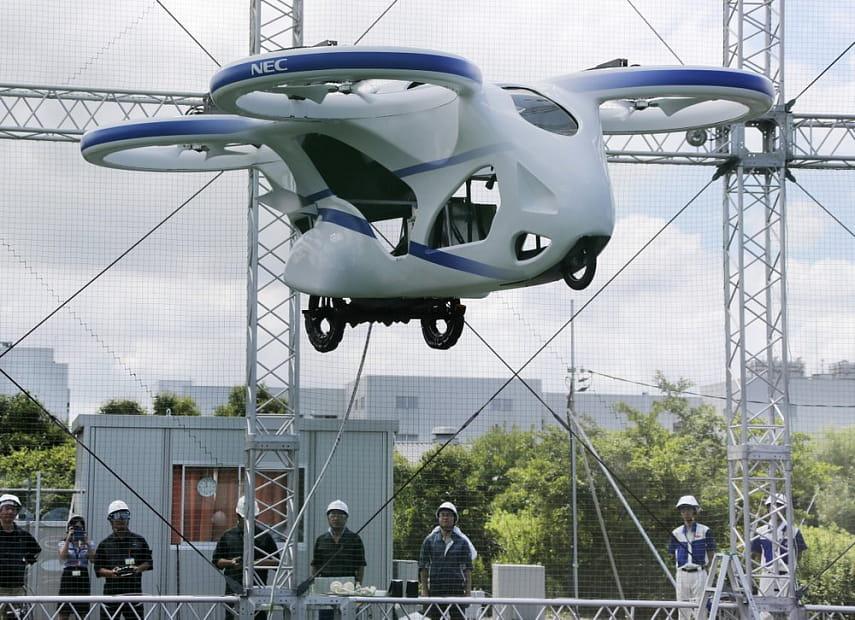 Не верили в летающие автомобили? Зря, они стали реальностью!