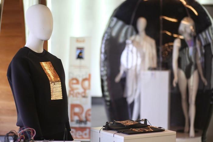 """6 """"умных"""" предметов одежды, которые могут скоро продаваться в магазинах"""