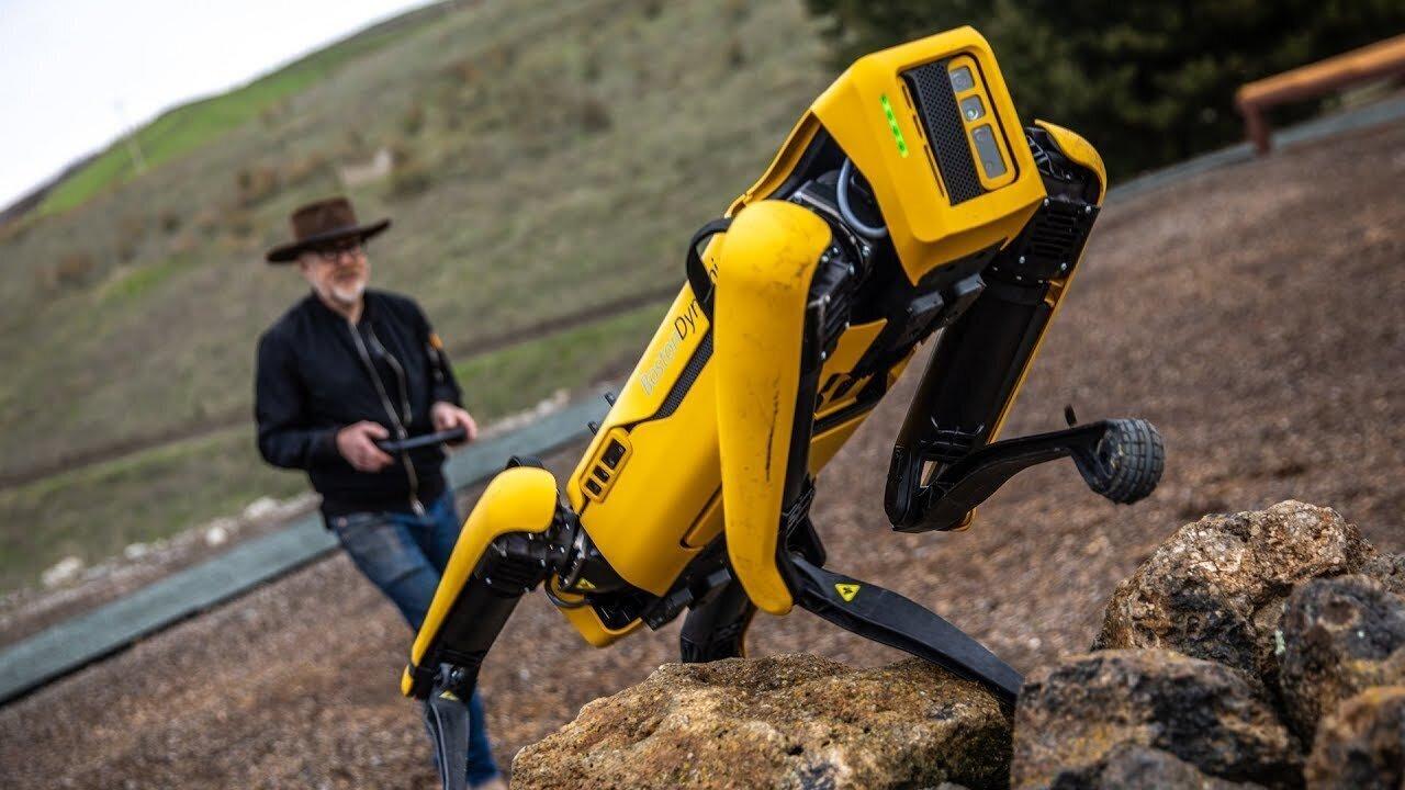 Boston Dynamics показывают новые возможности робопса Spot