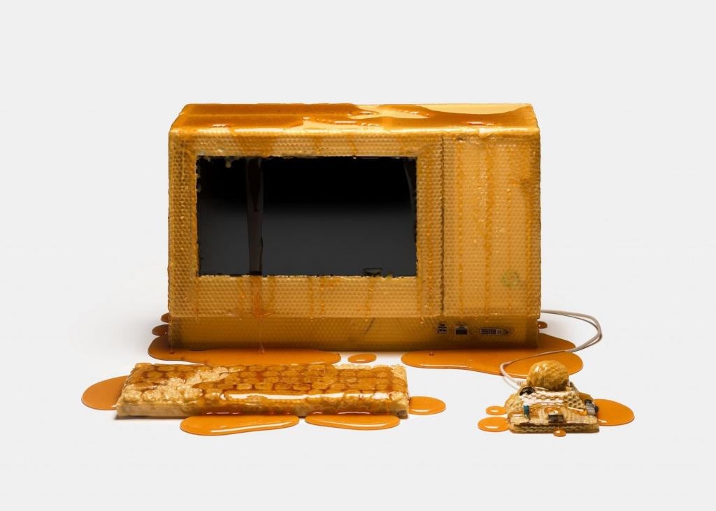 Apple Mac из меда