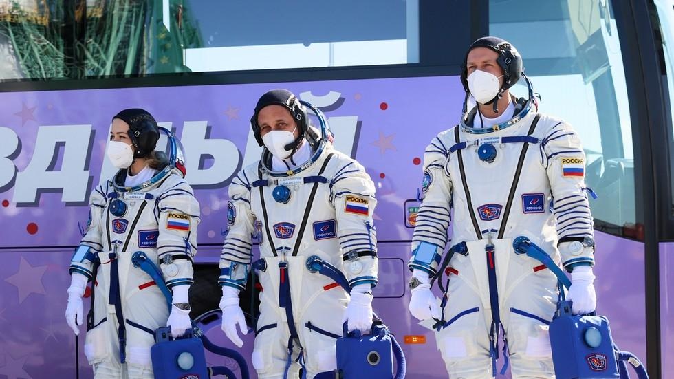 Трудности съемок художественного фильма на орбите (на борту космической станции)